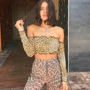 Leopard off shoulders top